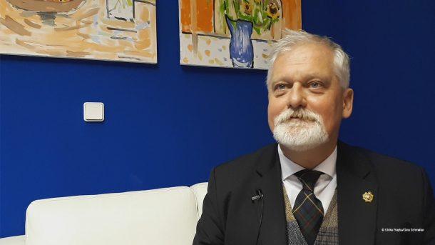 Porträtfoto von dem Stiftungsvorstand Norbert Prochnow.