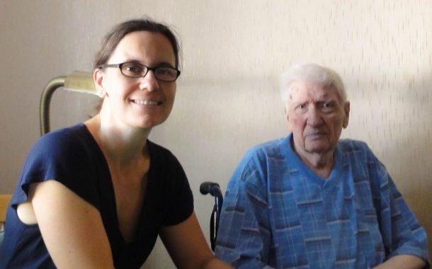 https://blog.unionhilfswerk.de/wp-content/uploads/2018/10/Corinna-Lange-mit-einem-Patienten-610x380.jpg